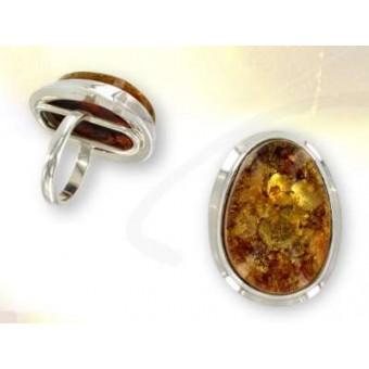 Bague  en ambre de très belle couleur